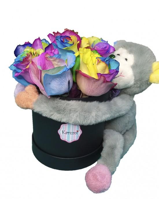 Box 10 Rosas Arcoíris + peluche monito abrazo